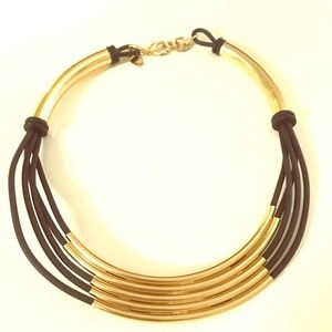 Jewelry - Gold and black collar necklace